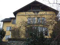 Casa frumoasa, in zona deosebita, 2000 mp teren