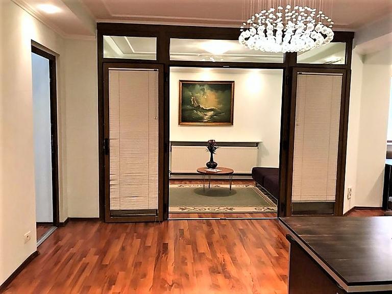 De vanzare apartament, 4 camere, in Sector 2, zona Batistei