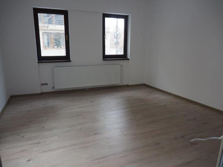 De vanzare apartament, o camera, in Sector 2, zona Eminescu