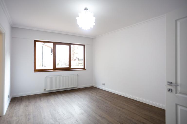Vanzare apartament, 3 camere, in Sector 2, zona Dacia
