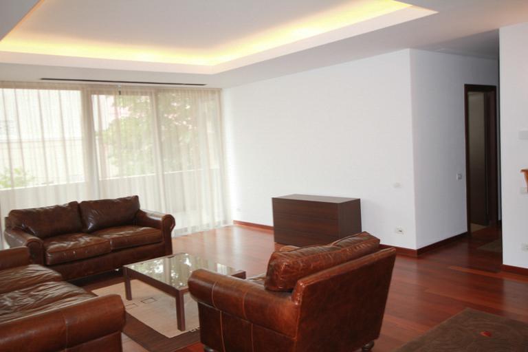 Se inchiriaza apartament, 4 camere, in Sector 1, zona Primaverii