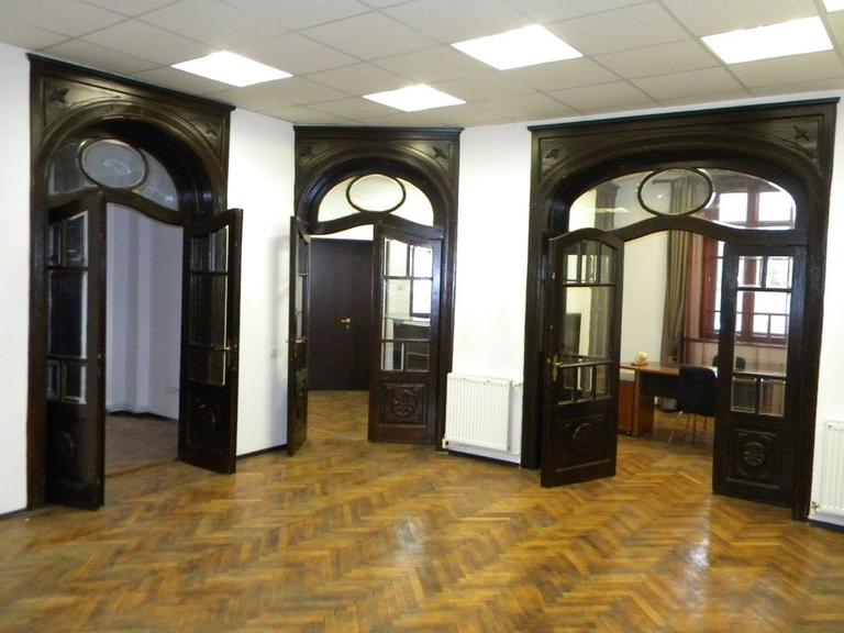 Se vinde apartament, 5 camere, in Sector 1, zona Calea Plevnei