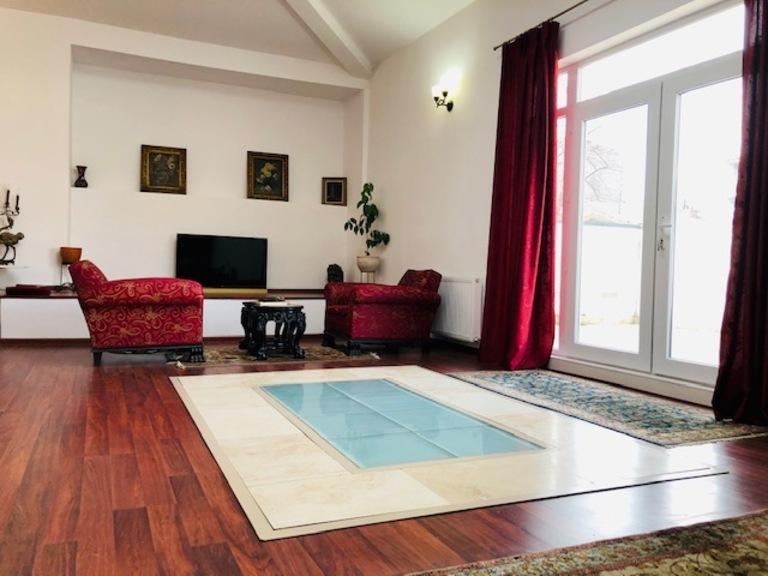 Se vinde casa, 7 camere, in Sector 1, zona Cismigiu