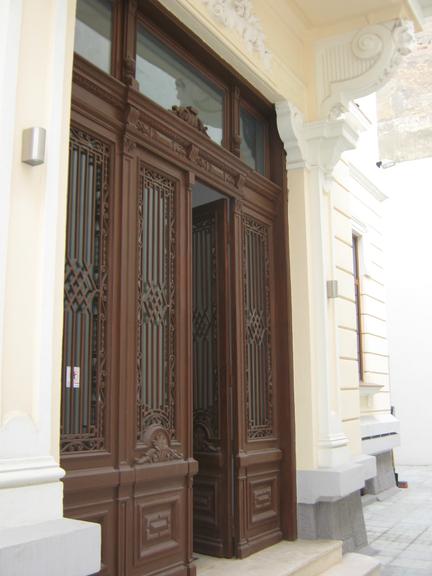 Inchiriere casa, 10 camere, in Sector 2, zona Universitate (S2)
