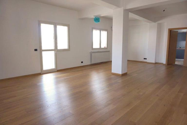 De vanzare apartament, 4 camere, in Sector 2, zona Floreasca