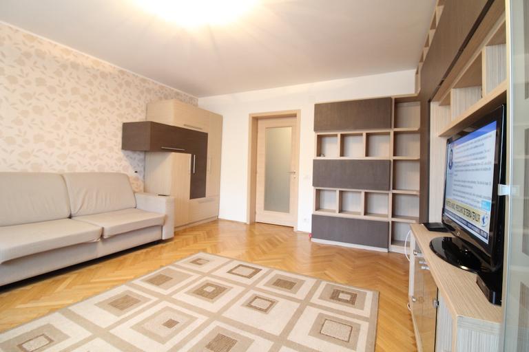 Se vinde apartament, 3 camere, in Sector 5, zona 13 Septembrie