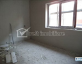 Vanzare apartament, 3 camere in Floresti